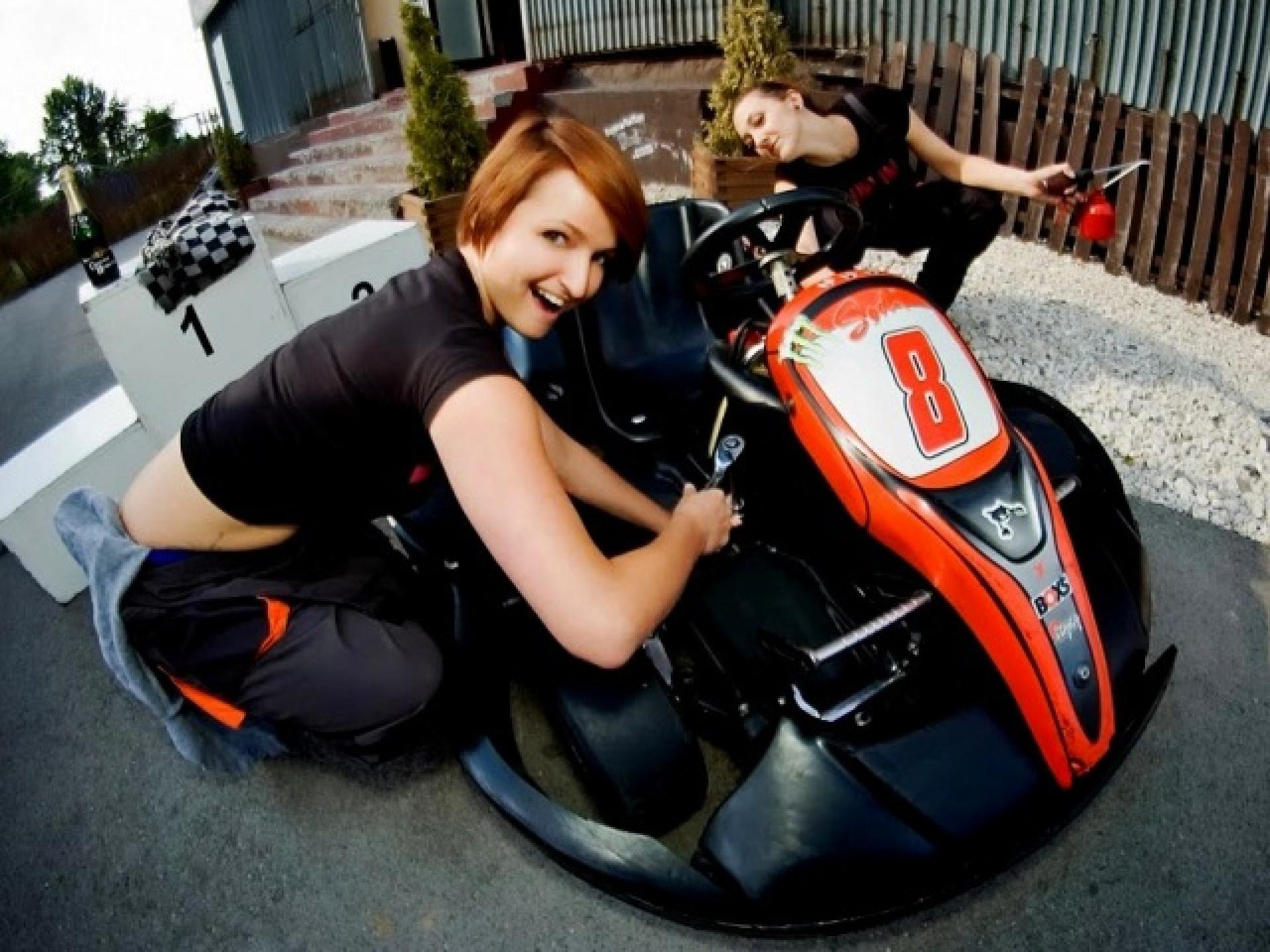 girl and kart