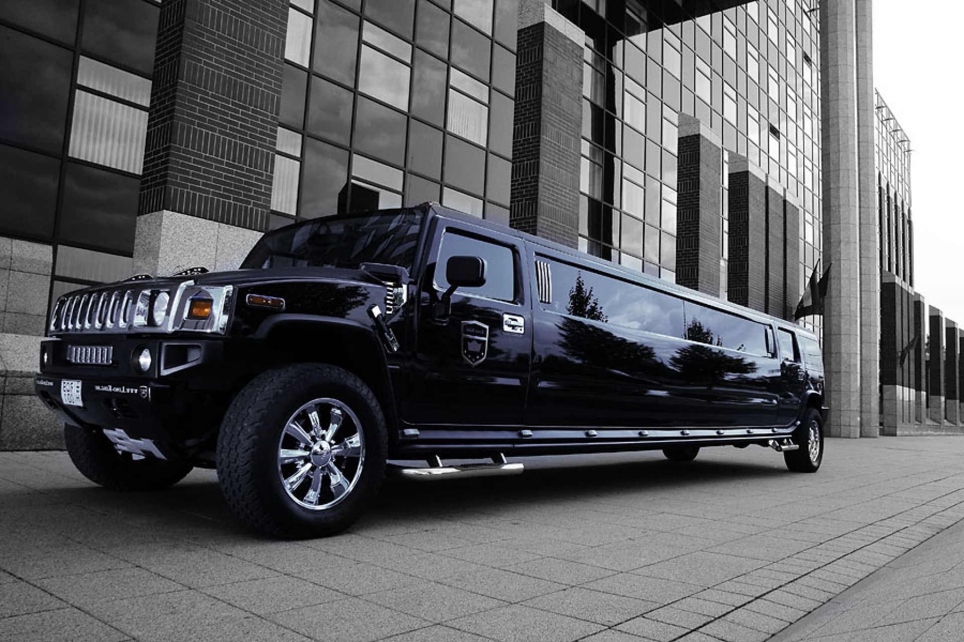 hummer limo in budapest